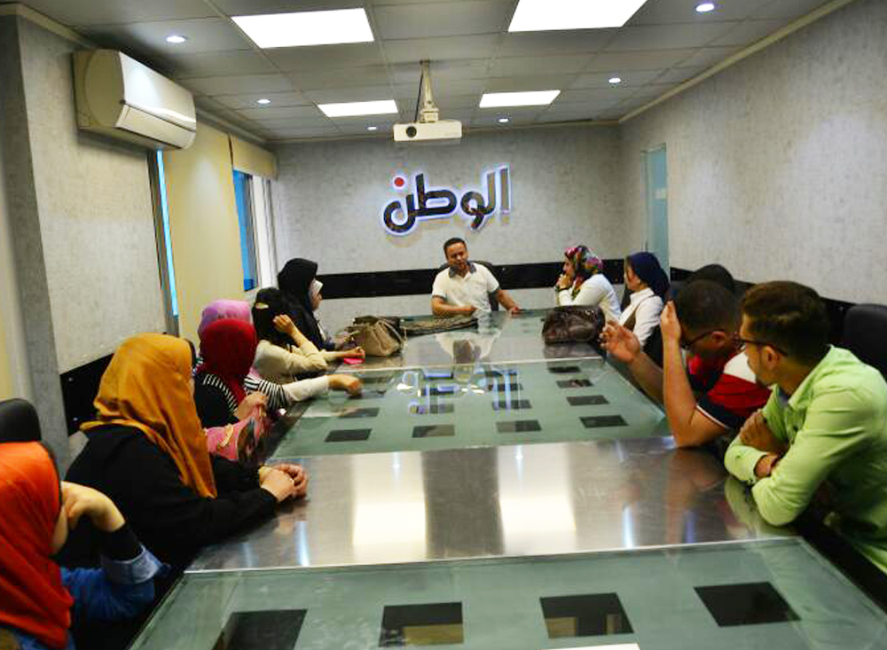 دورة تدريبية بجريدة الوطن لطلاب معهد الجزيرة العالي للإعلام وعلوم الاتصال